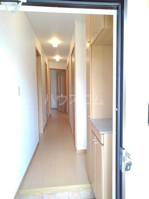 モンターニュ ドゥ 01030号室の玄関