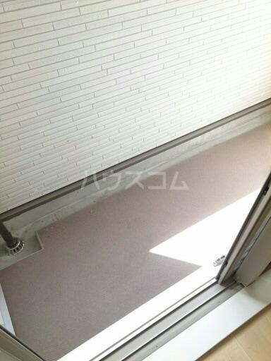 シャトンノアール 01020号室のバルコニー