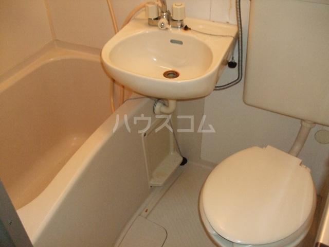 プラザ ドゥ ジュール 105号室の洗面所