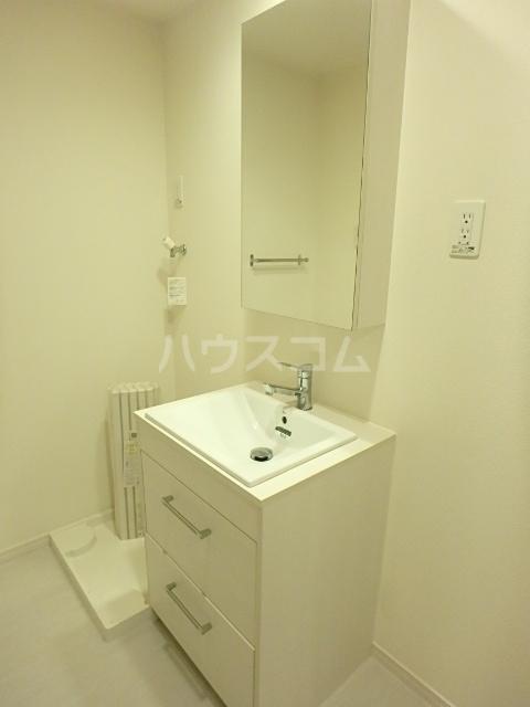 リブリ・アミュレット 201号室の洗面所