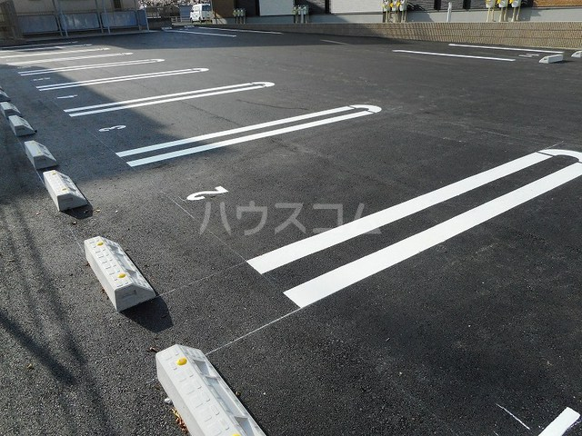 ベル フローラル 03020号室の駐車場