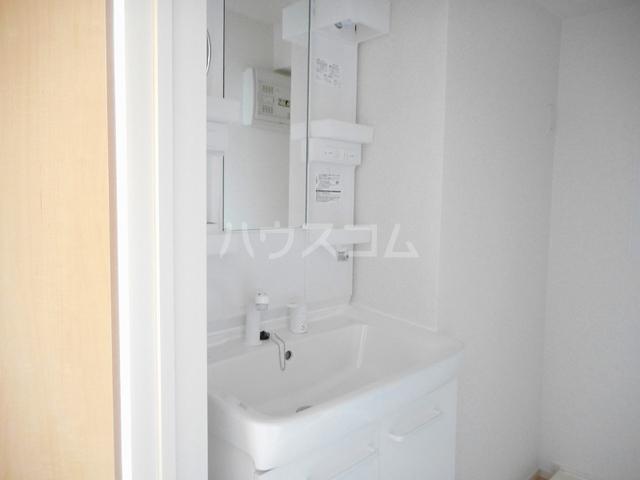 ベル フローラル 03020号室の洗面所