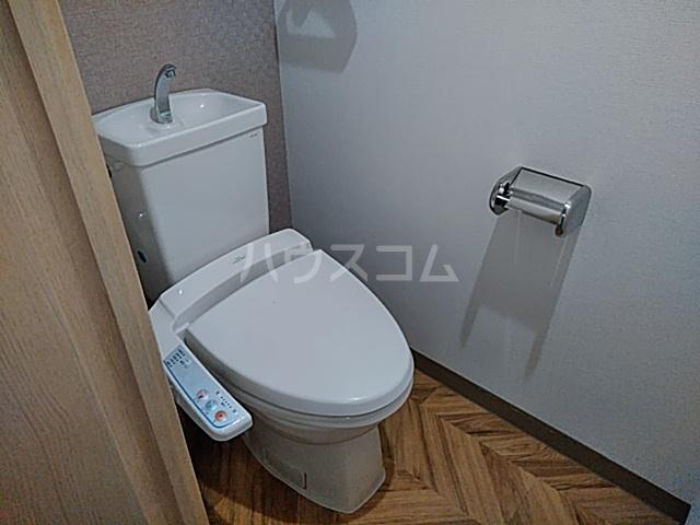 プラザ本牧町元町マンション 302号室のトイレ