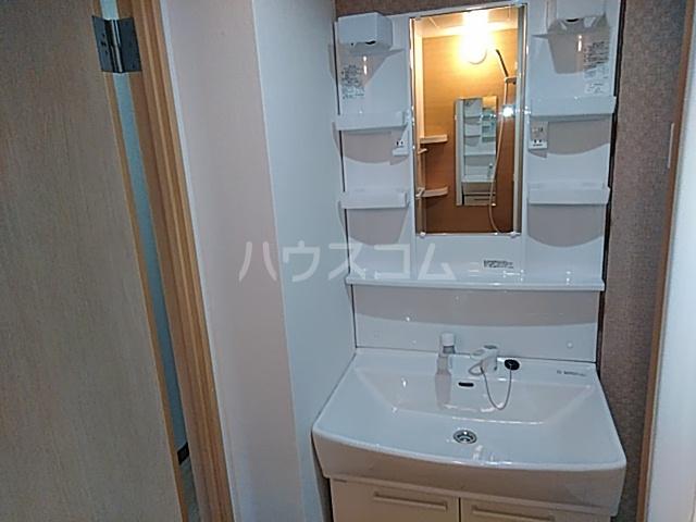 プラザ本牧町元町マンション 302号室の洗面所