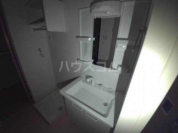 スズランA 01020号室の洗面所