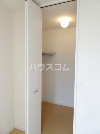 レセンテ・ジョイアA 202号室の収納