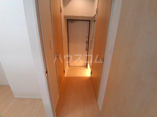 エクセルシオール 01010号室の玄関