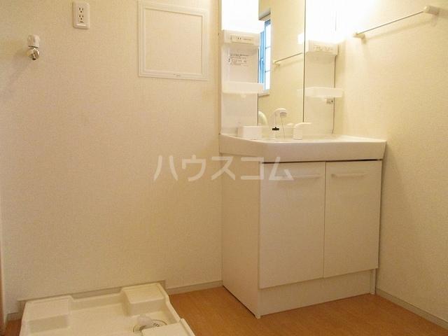 ニューグランシェルⅠ 02020号室の洗面所