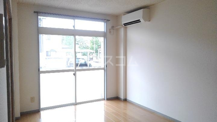 サニーヒルズ 01050号室のリビング