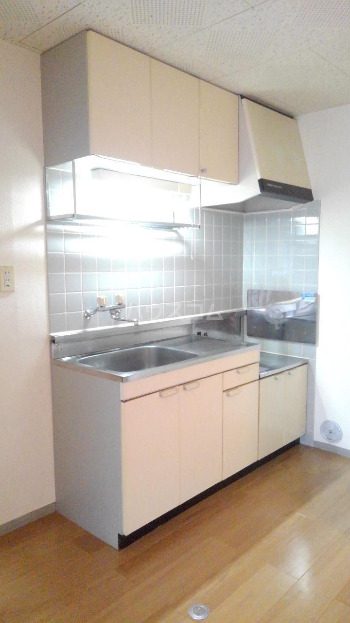 サニーヒルズ 01050号室のキッチン
