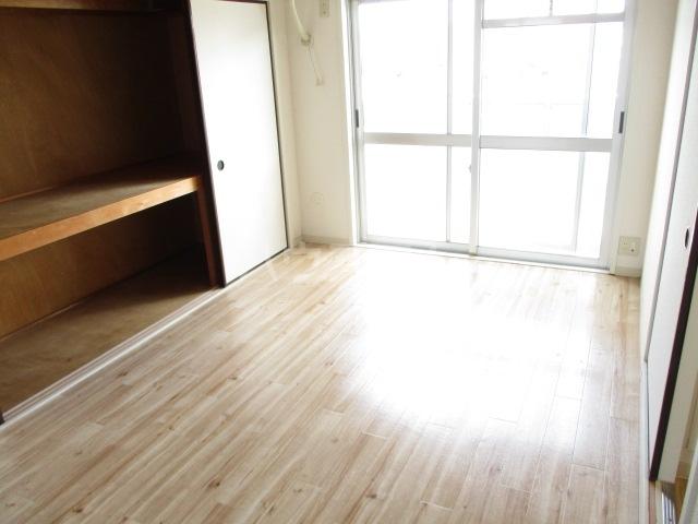 ビレッジハウス五所3号棟 304号室のリビング