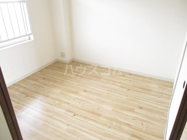 ビレッジハウス五所3号棟 304号室の居室
