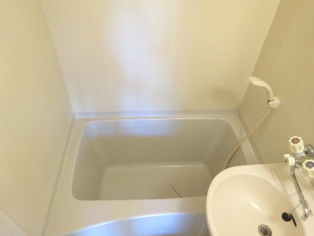 Split 103号室の風呂