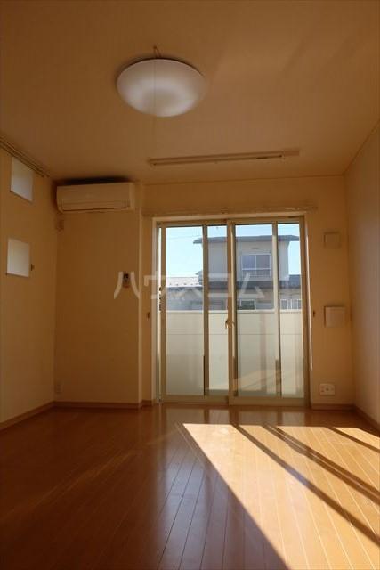 カーサリブラⅡ 01010号室のリビング