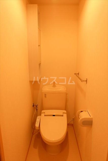 カーサリブラⅡ 01010号室のトイレ