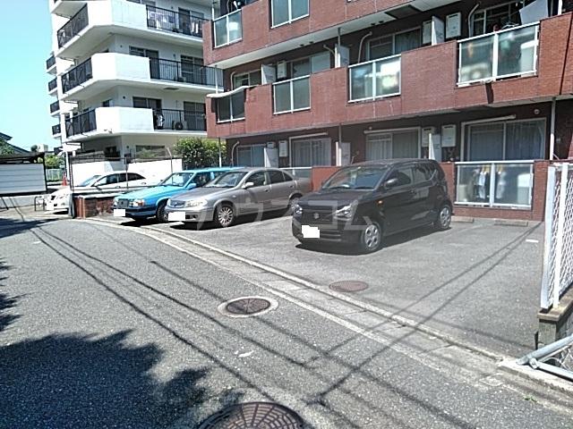 ヴィラ大橋Ⅱ 103号室の駐車場