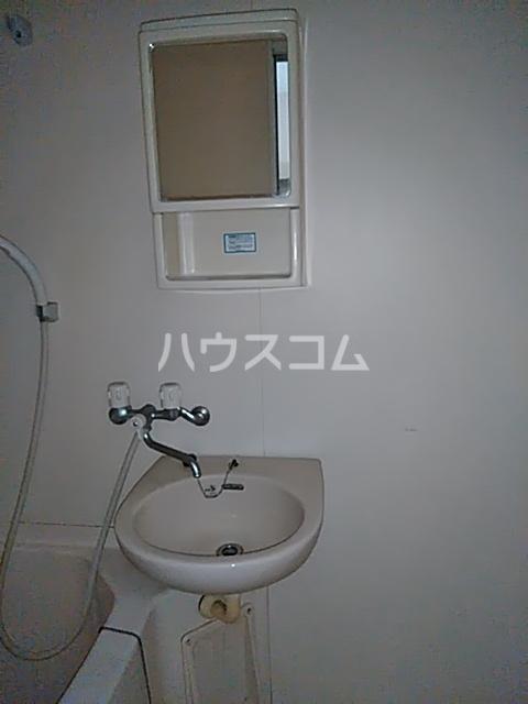 ハレ ナネア 202号室の洗面所