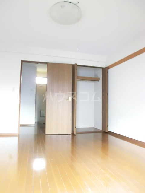 ハレ ナネア 202号室のベッドルーム