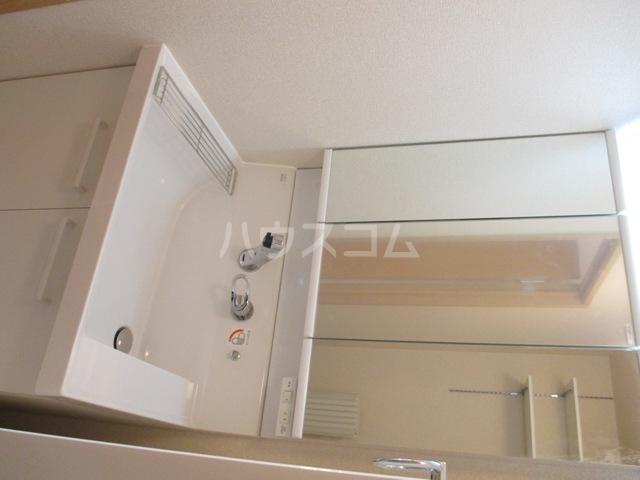 ラ・グラシューズB 301号室のキッチン