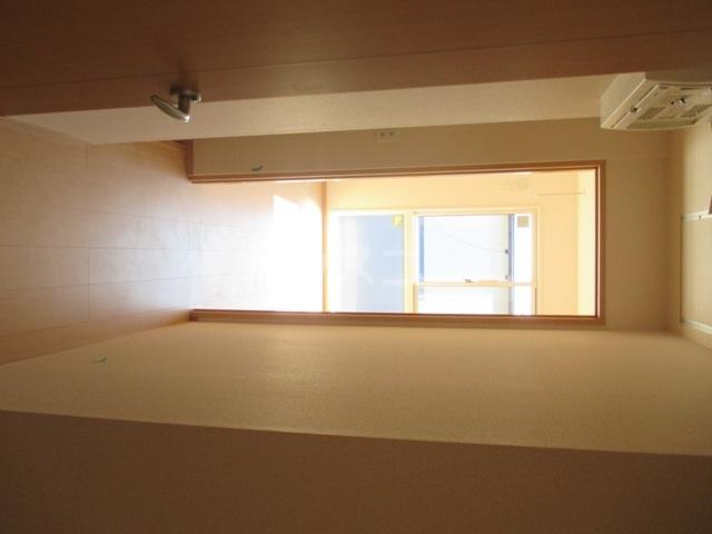 ラ・グラシューズB 301号室のバルコニー