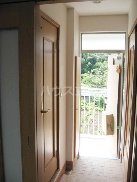ひまわり 02030号室の玄関