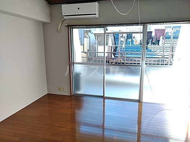 コーポ浜田 201号室の居室