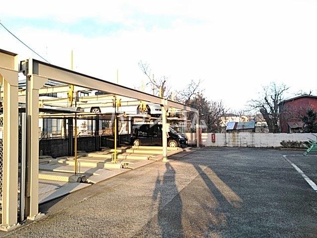 シモンズアーク 105号室の駐車場