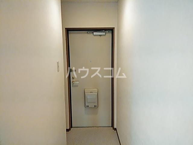 シモンズアーク 105号室の玄関