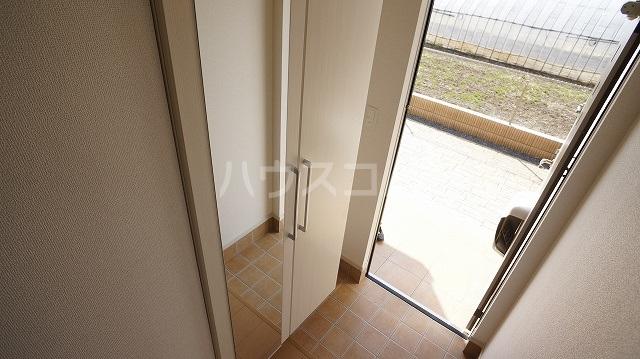 T'sウィステリアⅡ 02010号室の玄関