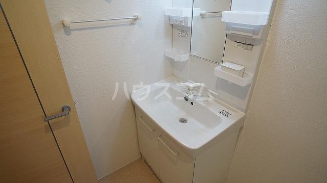 T'sウィステリアⅡ 02010号室の洗面所