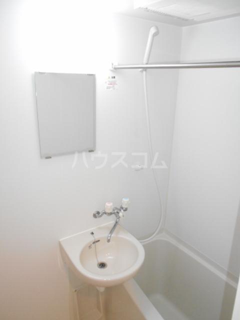 ヴィラージュ中町WEST 103号室の風呂
