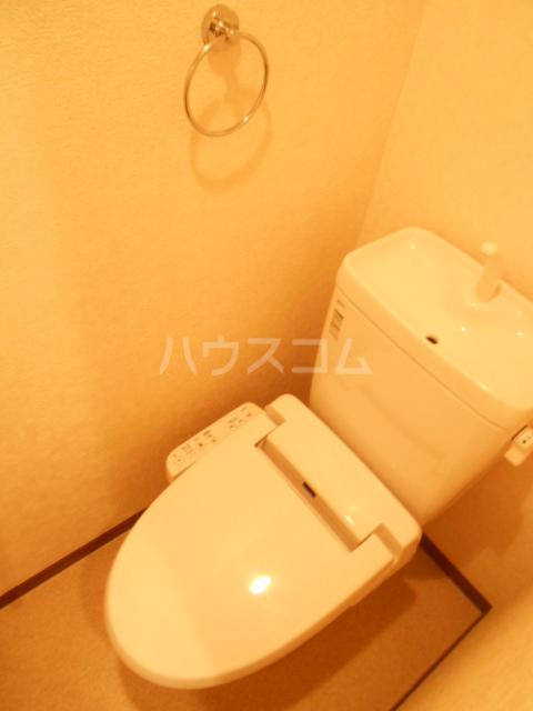 ヴィラージュ中町WEST 103号室のトイレ