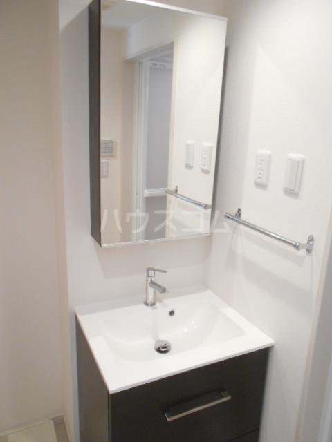 リブリ・アルモ 206号室の洗面所