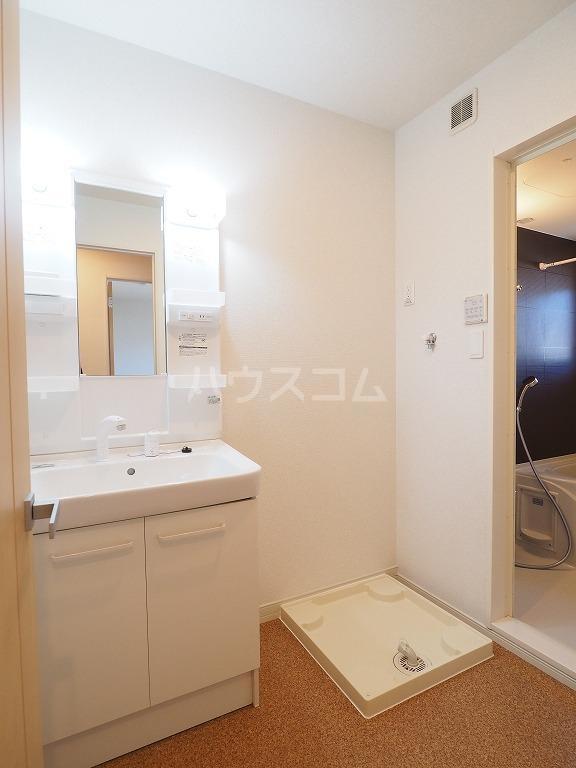 ユウ ドリーム A 02030号室の洗面所