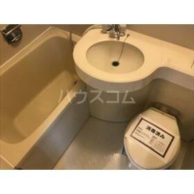 コムネット上大岡 402号室のトイレ