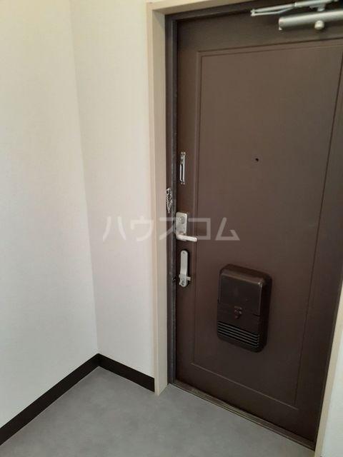 クレセントフジ A 02020号室の駐車場