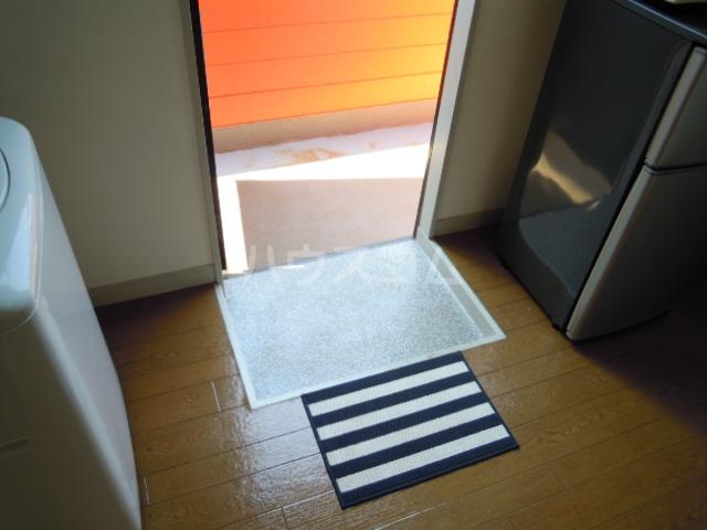 ウエストキャッスル諏訪 202号室の玄関