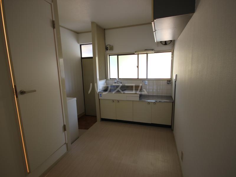 ハイツサンモリッツ 202号室のキッチン