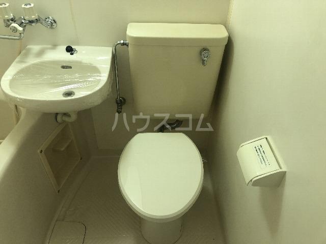 メゾンエマーブル 107号室のトイレ