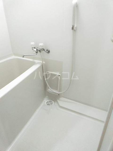 グランシャリオ 203号室の風呂
