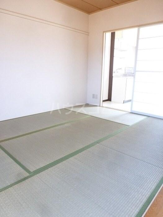 パナハイツKIYOFUMI 202号室の居室