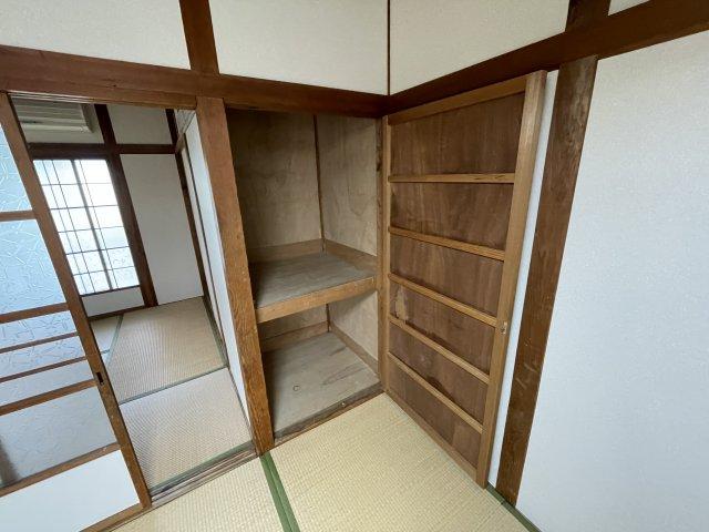 昴マンション 12号室の玄関