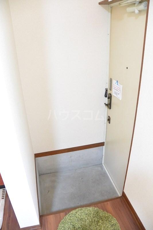 ラフォーレ春日 105号室の玄関