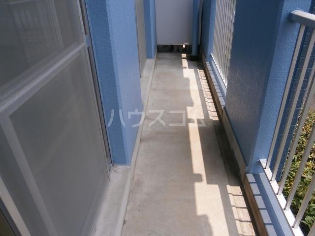 サンライズベル 203号室のバルコニー