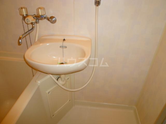 パークサイド2 102号室の洗面所