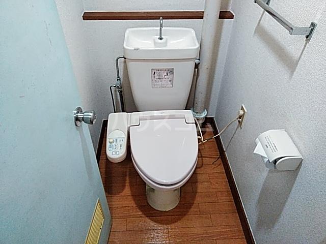 ロイヤルハイツ甲子B 103号室のトイレ