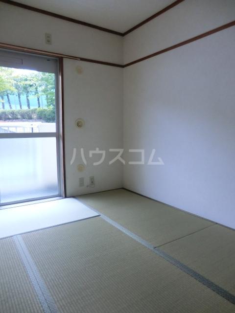 鶴見ガーデンハイム A206号室のベッドルーム