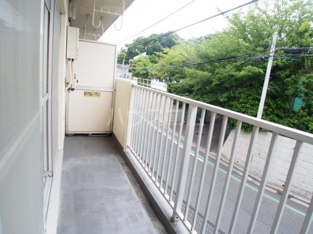 鶴見ガーデンハイム A206号室のバルコニー