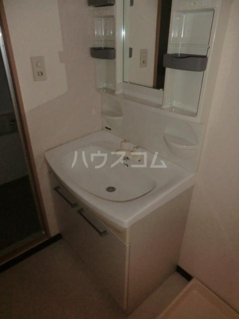 鶴見ガーデンハイム A206号室の洗面所