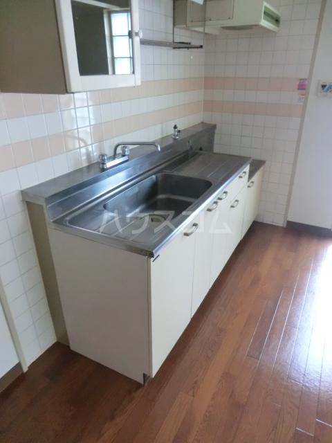 鶴見ガーデンハイム A206号室のキッチン
